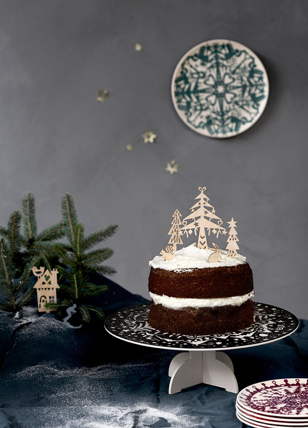 Bamboo_winter_Engel-&-Famille-Summerbelle-Plate-&-wood-cake-decoration