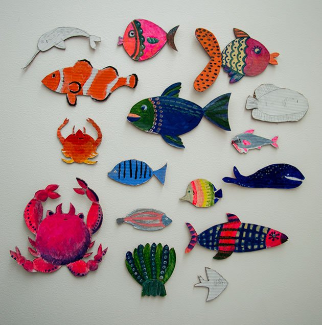 Painting-fishes-with-the-children-by-Famille-Summerbelle--1