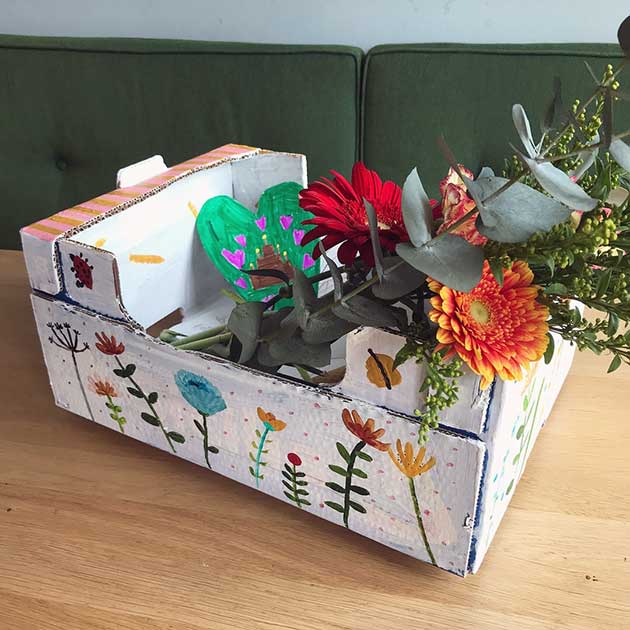 Recycling A Cardboard Box Into Birthday Present Famille