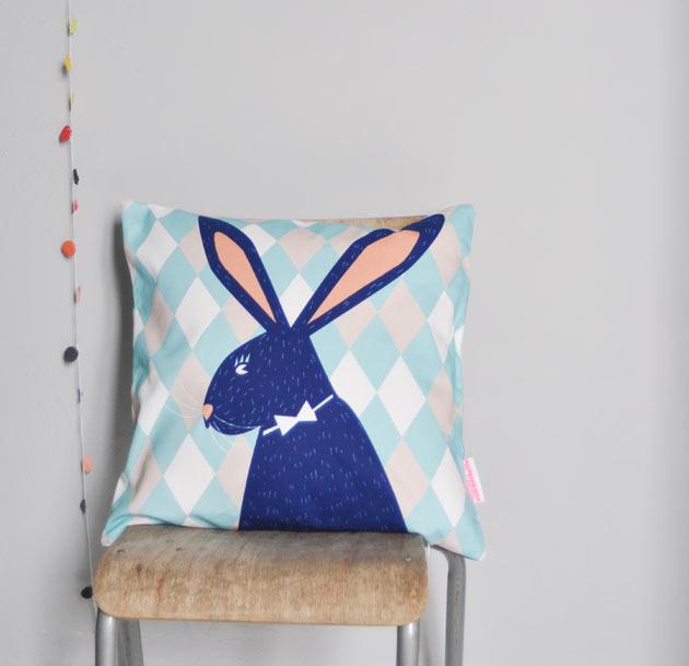 RabbitCushionFamilleSummerbelle