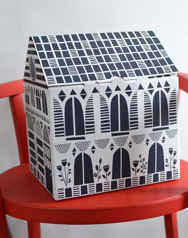 Blach-House-Box-Famille-Summerbelle