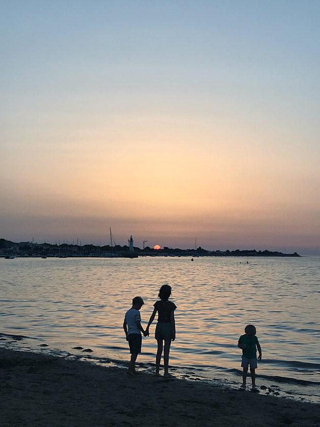 Sunset-on-the-beach-Ile-de-Re