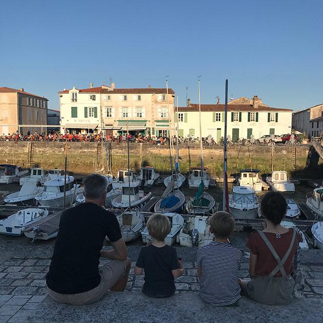 Ice-cream-on-the-port-of-La-Flotte