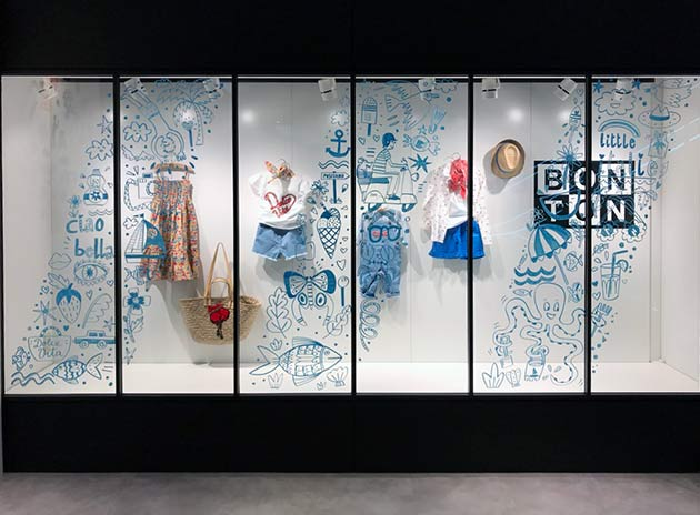 WIndow-drawing-by-Julie-Marabelle-for-Bonton-Japan-Takashimaya