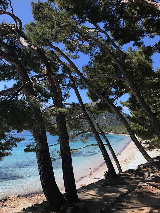 Playa-de-Formentor-with-Famille-Summerbelle-Mallorca