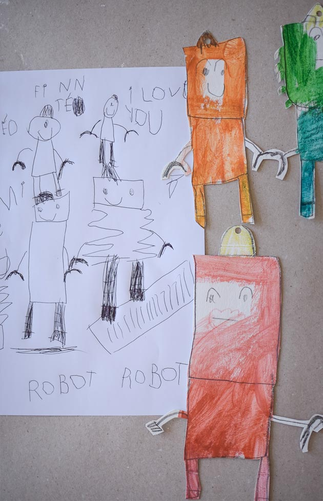Paper-Robot-by-Teo-aged-5_Drawing_Making